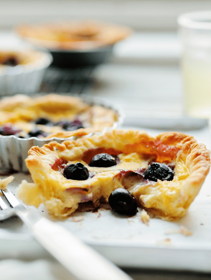 Pastry filled with blueberries on a plate