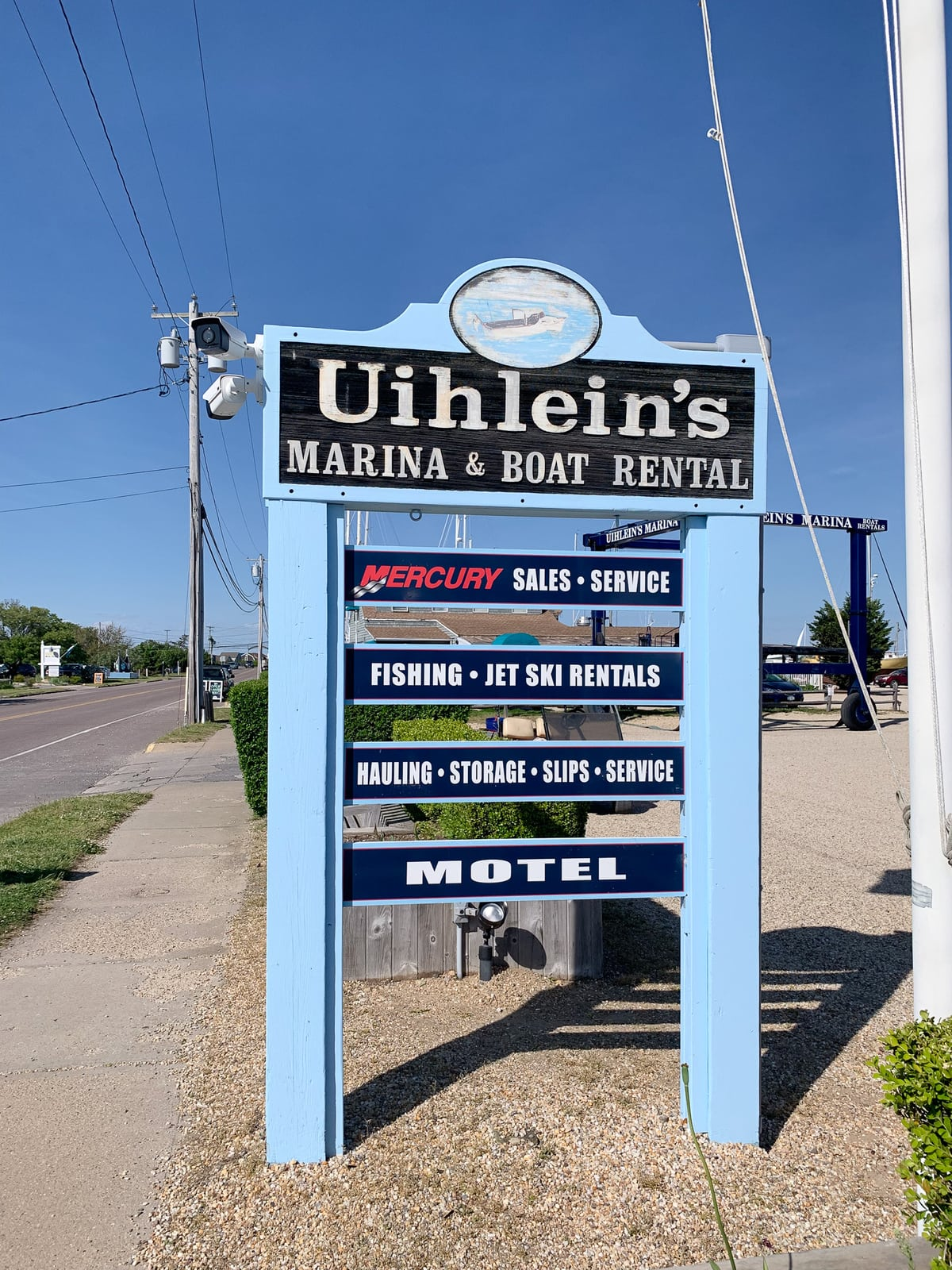 Sign for Uihlein's Marina and Boat Rental