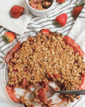 Strawberry Cardamom Crumble