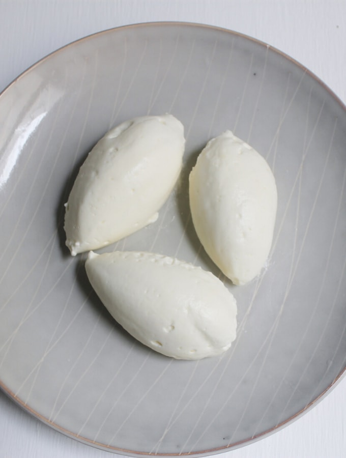 Overhead shot of three quenelles