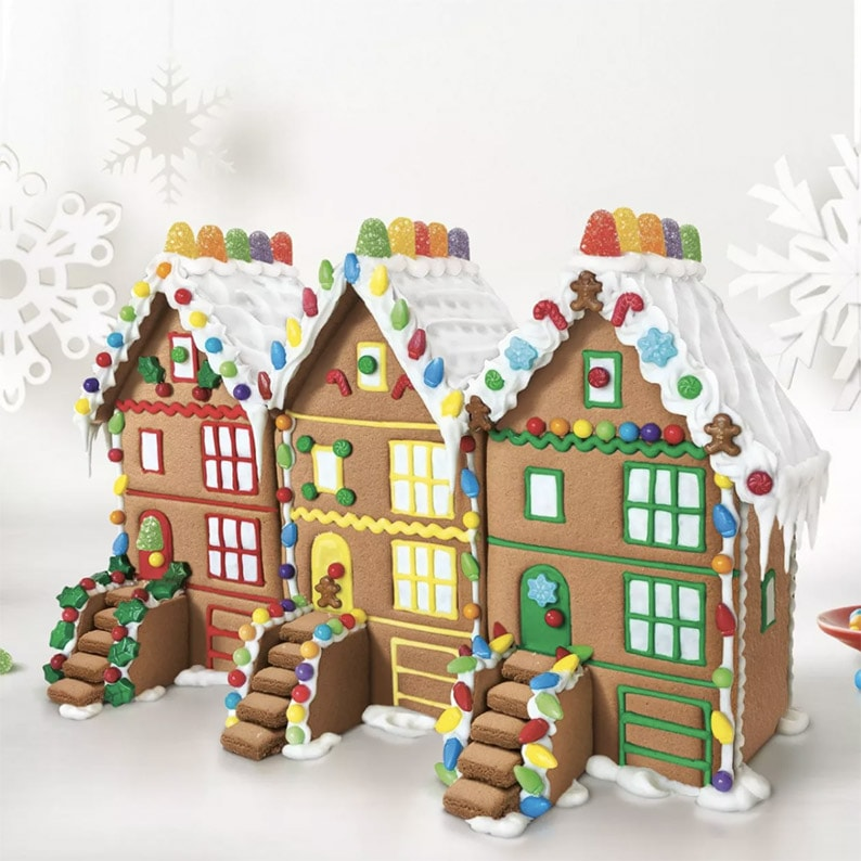 Three decorated gingerbread houses